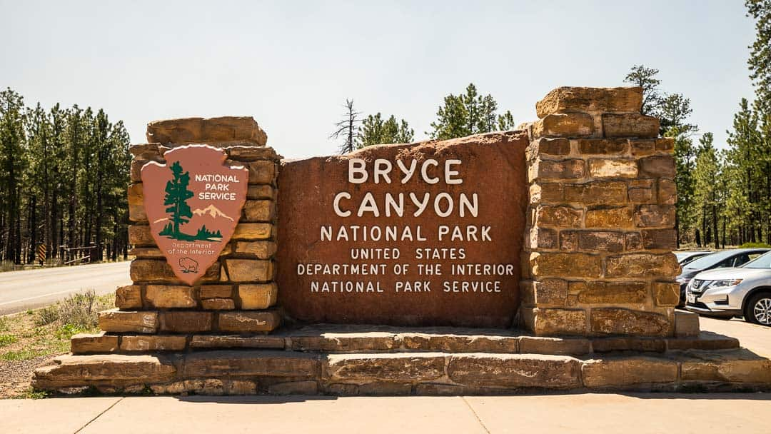 Image of Bryce Canyon welcome sign