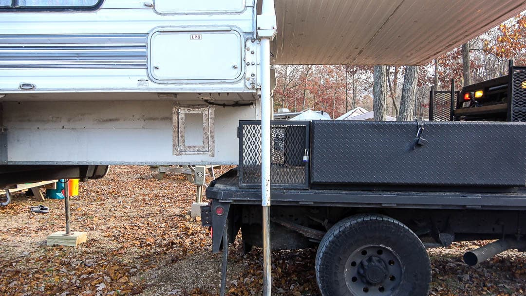 Backing up a truck to truck camper